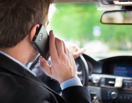 Smartphone alla guida: ritiro immediato della patente..